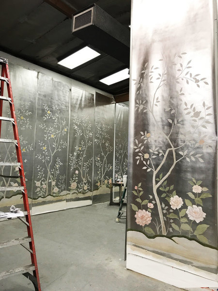 Hand painted Chinoiserie silver leafed wallpaper