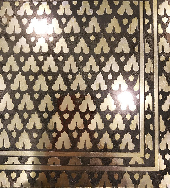 Verre Eglomise Fortuny pattern
